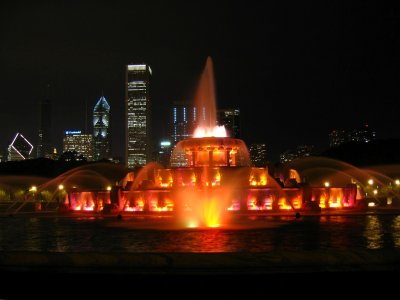 Night colours at the fountain