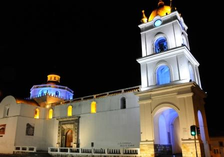 7 Night Scene in Latacunga