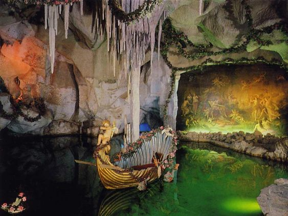 Linderhof, Grotto