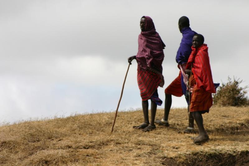 IMG_9525_Tanzania_Ngorongoro_Maasai youth on hill