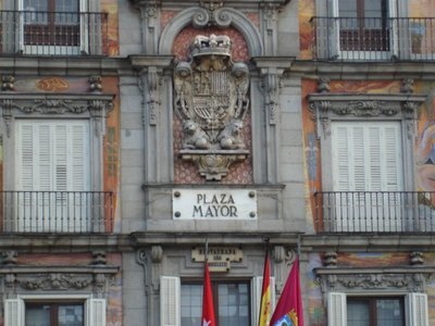 Plaza Major, wall above Tourist Bureau