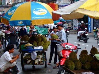 Vor dem Hotel in Saigon