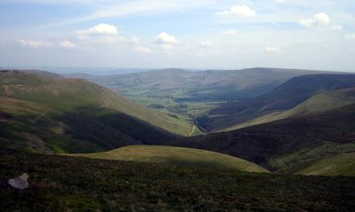looking back down jacobs ladder from edale rocks