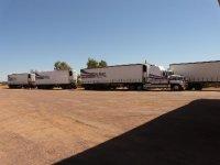 Uluru_-_road_train.jpg