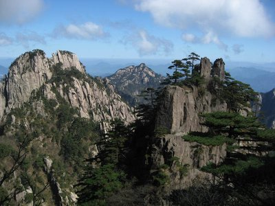 HuangShan - on a sunny day