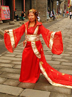 Sunee Posing in Qing Dynasty (or is it Ming Dynasty) costume