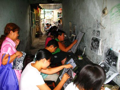 A local Painting Class down one of the side alleys