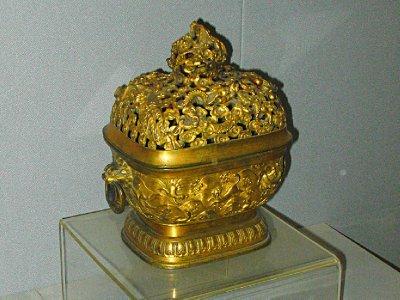 Museum Gold