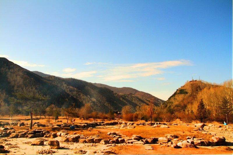 A view near Taihua Temple, the main Wutai Mountain temple