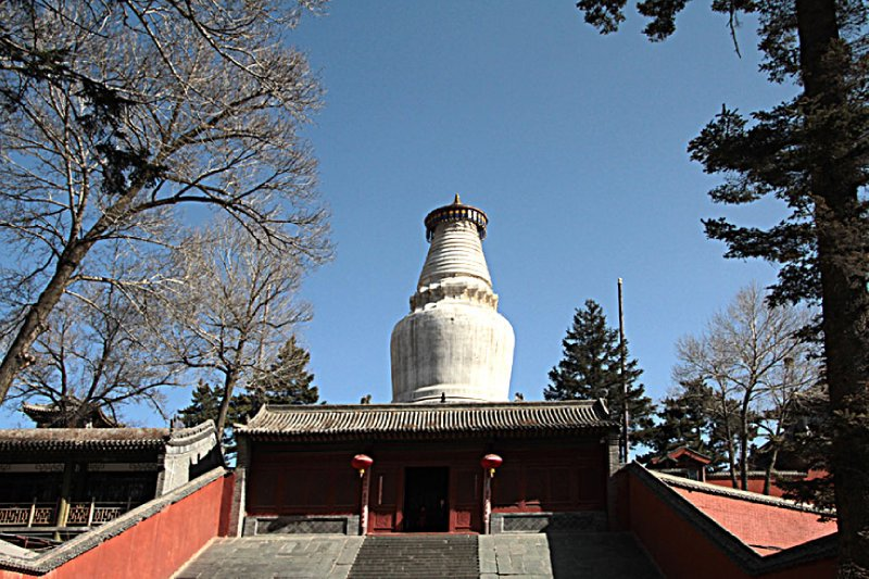 The world famous stupa of Taihua Temple