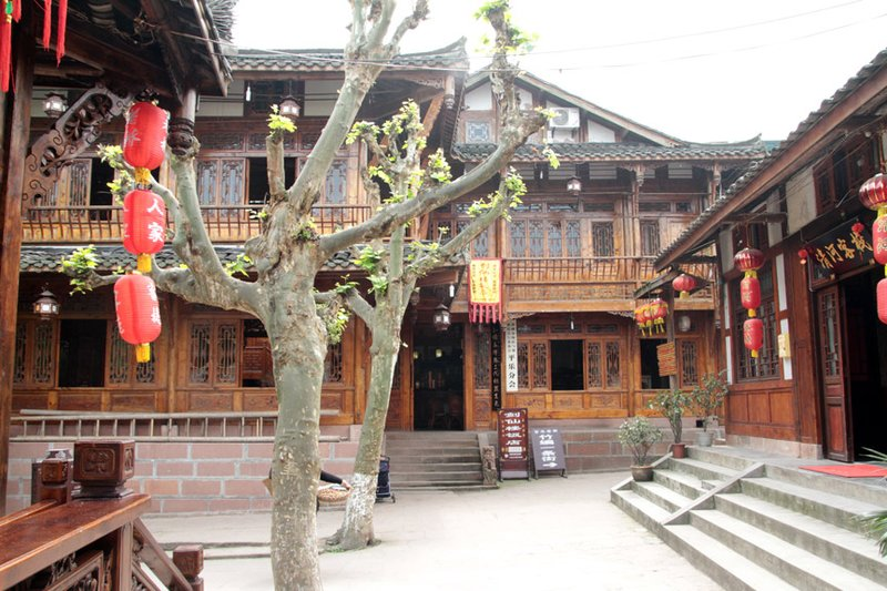 large_27nicehotel.jpg