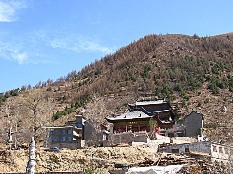 Small temple among the hills and mountains of Wutaishan