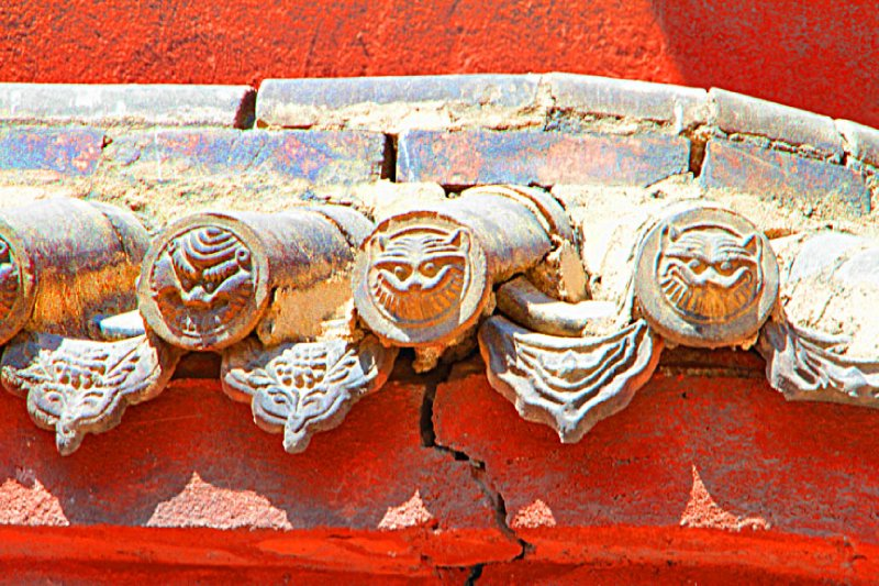 Temple roofing tiles