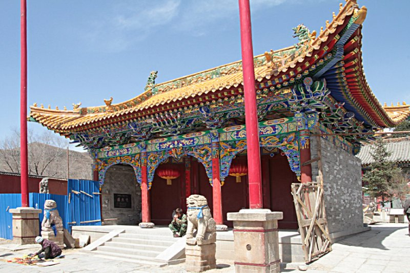 An ornate small temple near the Taihua Complex