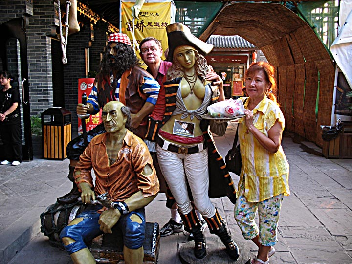 HYD Scurvey Statues 1