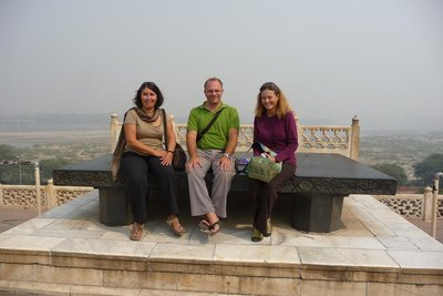 India - Agra - Red Fort - we all on da throne