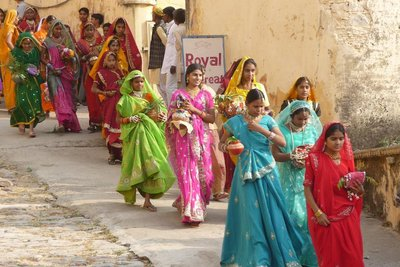 India_-_Bu..l_women.jpg