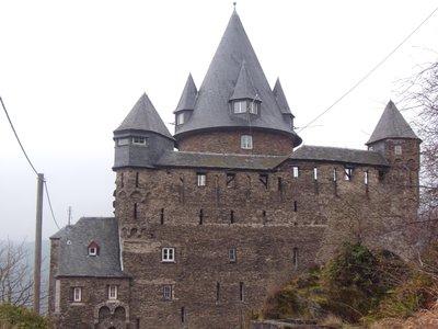 castlehostel1.jpg