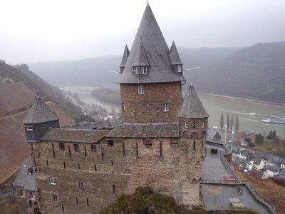 castlehostel2.jpg