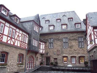 castlehostel4.jpg