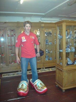 dutch_shoes.jpg