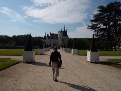 A beautiful entrance into the castle of chenonceau my favourite