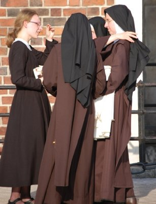2009_479_Nuns_1_Small.jpg