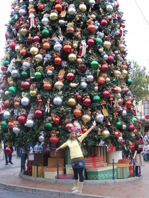 Lorraine by xmas tree in Disneyland