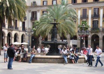 barca_fount_plaza.jpg