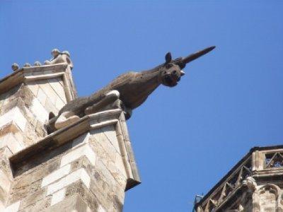 unicorn_bull_statue.jpg