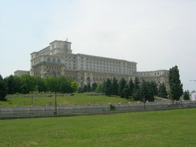 bucharest: 2nd biggest bldg