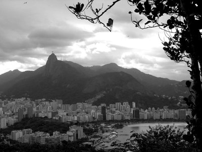 Rio De Janeiro: black and white of the bay