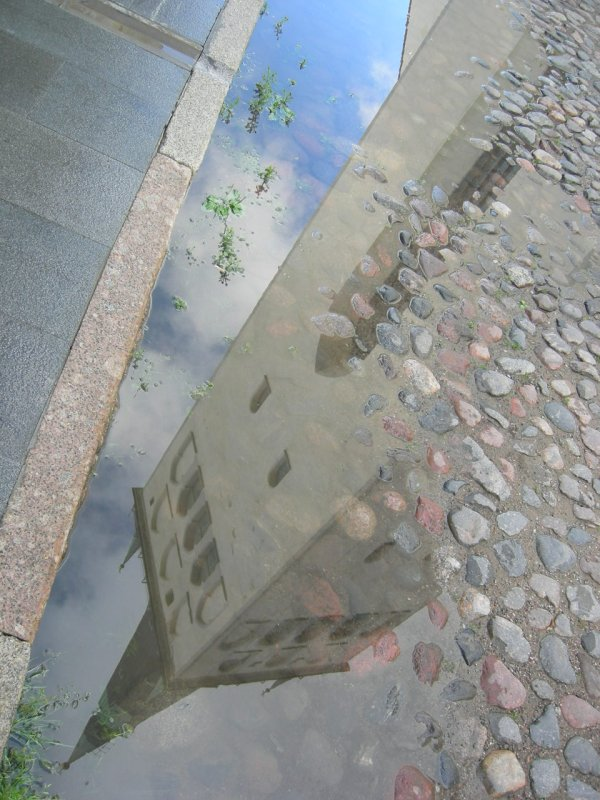 Tallinn: reflection puddle
