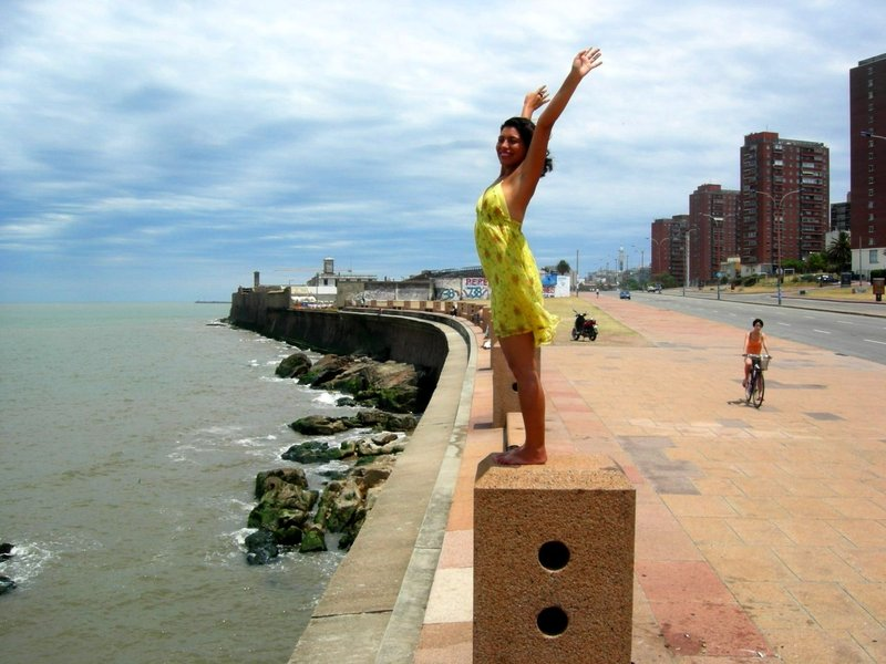 Montevideo: marisa takes it all in