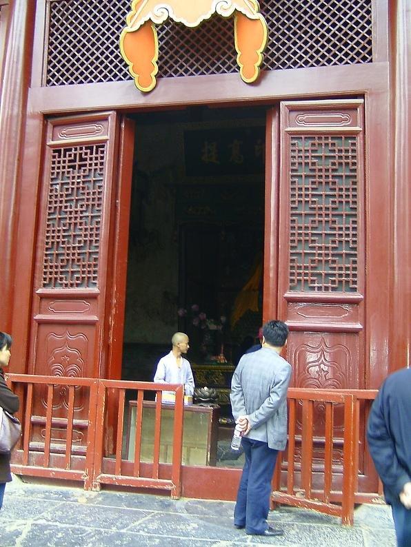 12b 1000 Buddha Hall3