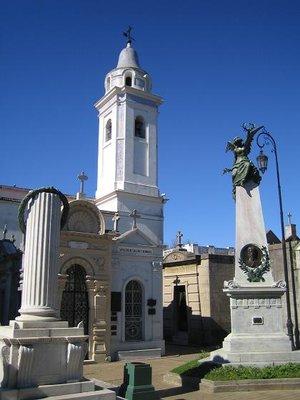 Recoleta_Cemetery_1.jpg