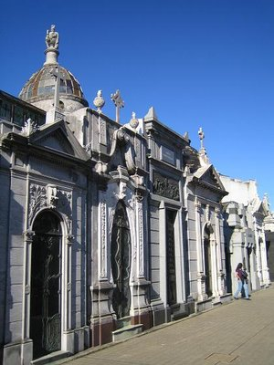Recoleta_Cemetery_10.jpg