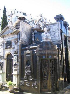Recoleta_Cemetery_3.jpg