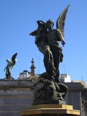 Recoleta_Cemetery_4.jpg