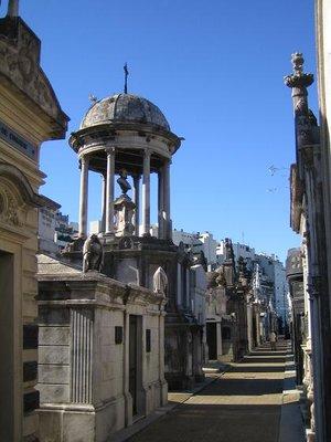 Recoleta_Cemetery_5.jpg