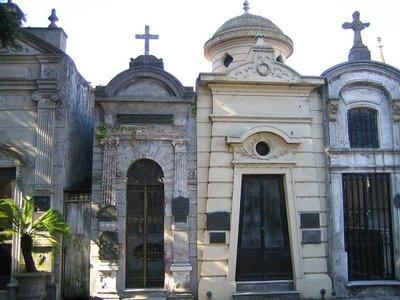 Recoleta_Cemetery_8.jpg