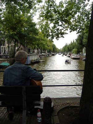 Singing to the ducks, Amsterdam