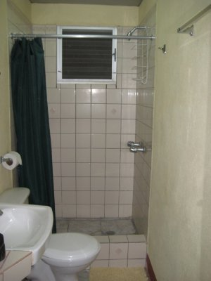A02_Bathroom_Hi-Et.jpg