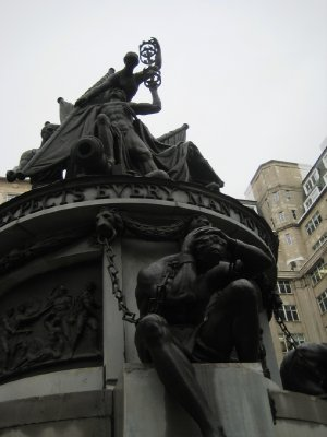 A101_Town_.._Statue.jpg