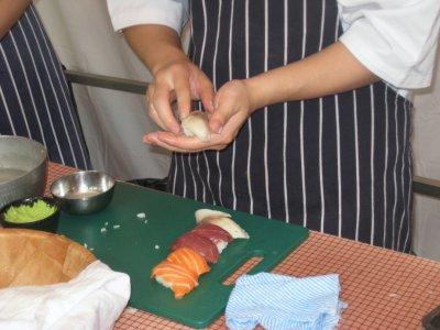 B007_Sushi.jpg