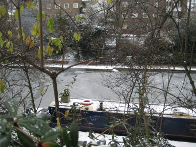 Canal_Boat..ith_Ice.jpg