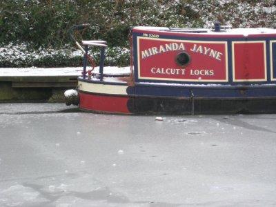 Canal_Boat..n_Canal.jpg
