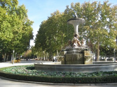 Fountain near Alcala gate in Parque de El Retiro
