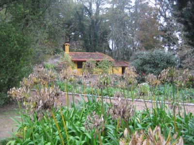 Former vegetable garden and 16th century orchard of a monastery on the site, was transformed into a garden in honour of queen Dona Amelia