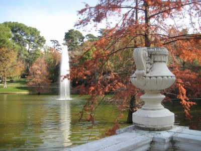 Pond at Crystal Palace in Parque de El Retiro